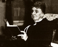 Elizabeth Watkins reading a book